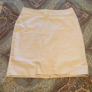 Ann Taylor white pencil skirt, size 14.
